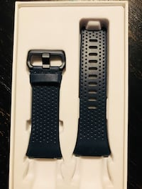 Fitbit ionic black band size small  Clovis, 93611