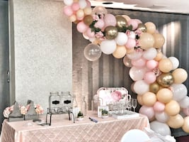 Organic balloon arch FREE with any decor package