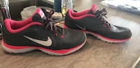 Nike Woman's shoes size 8 Sioux Falls, 57107