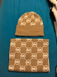 BRAND NEW MICHAEL KORS SCARF AND HAT SET WITH TAGS
