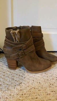Boots size 7.5 Epping, 03042