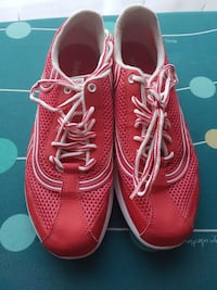 red-and-white Reebok sneakers Greater London, RM11 3QB
