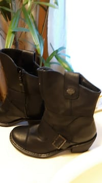 pair of black leather boots Mobile, 36693