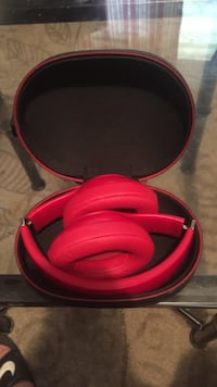 Beats Solo3 Wireless/Case Included! Irondale, 35210