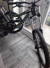 Black and green specialised status 2016 full suspension mountain bike Liverpool, L21