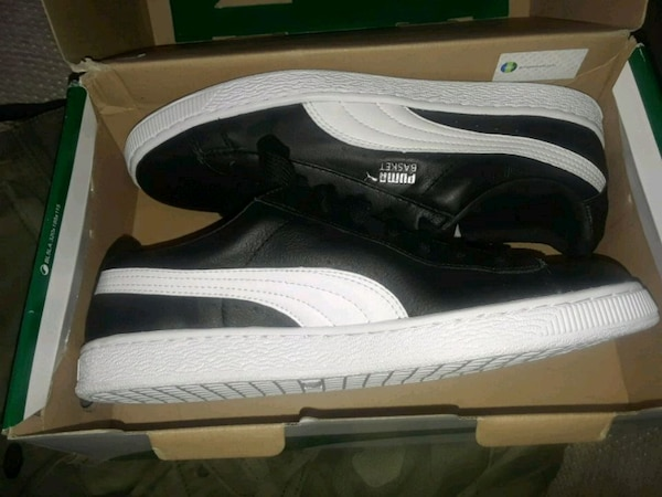 7de5534b5ba Used pair of black-and-white Puma Roma sneakers for sale in ...