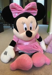 Oversized Stuffed Minnie Mouse 61 km