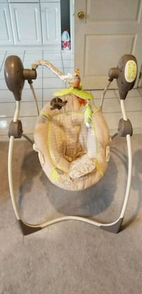 baby's white and brown cradle n swing Richmond Hill, L4S 2R1