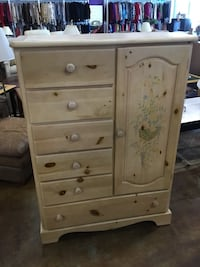 Country Style Pine Dresser/Armoire Pawtucket, 02861