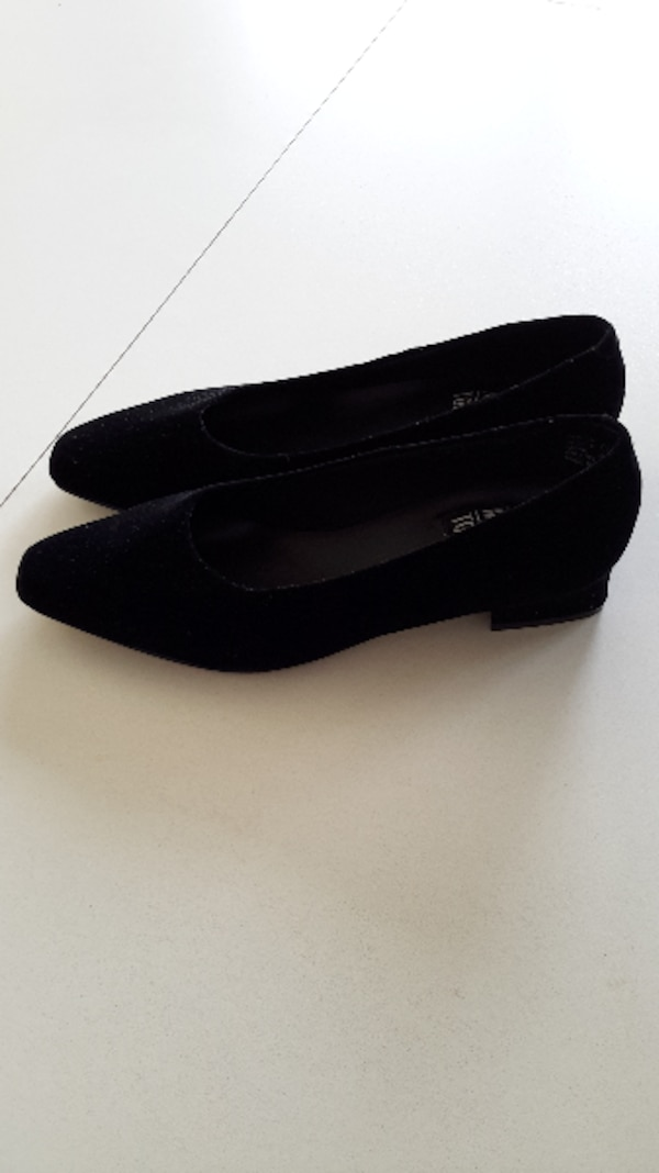 742f6b10599 Used Mootsies Tootsies leather ladies shoes - Size 7 1 2. for sale in Malden