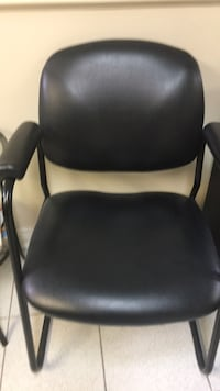 black leather padded rolling chair Montréal, H3C