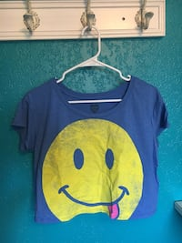 blue and yellow emoji print crew-neck cap-sleeve shirt Modesto, 95355