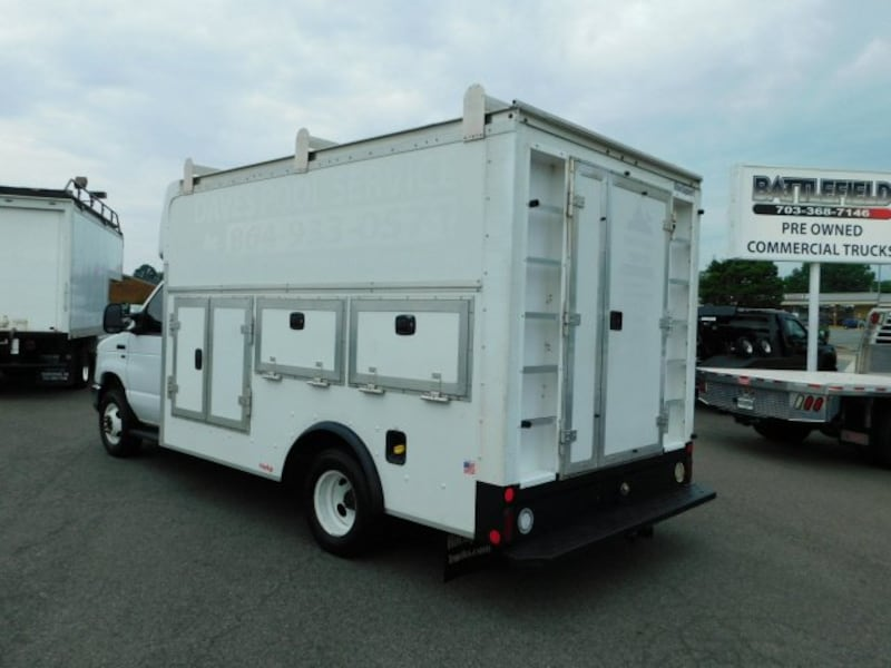 Ford Econoline Commercial Cutaway 2015 1ce10e89-a4c8-4a54-932f-86523fd52334