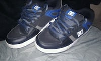 pair of black-and-blue DC sneakeRS SIZE 7 Kitchener, N2H 5G8