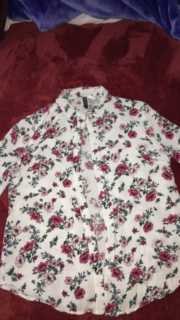 White floral button up shirt