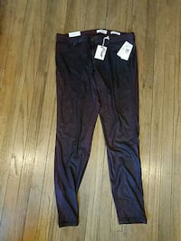 New size 33 jeggings Tacoma, 98444