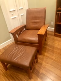 brown leather padded armchair with ottoman Palm Beach Gardens