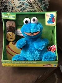 Sesame Street Count 'n Crunch Cookie Monster plush toy with box