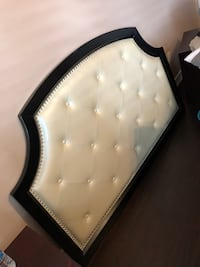 Bed headboard Pickering, L1X 2R9