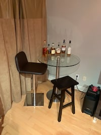 Modern Tempered Glass Table and 2 Brown Bar Stools Toronto, M5V 3P5