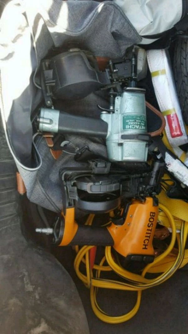 2 nail guns for sale 150$for both ddfc8939-080f-4220-ad1b-829601fd8d42