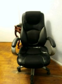 Office chair with rollers Los Angeles, 90068