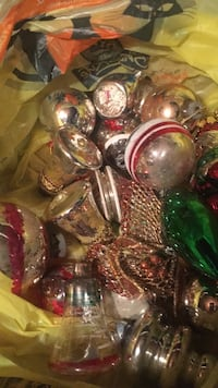Vintage Christmas bulbs several boxes Roebling, 08554