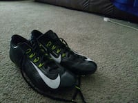 pair of black-and-white Nike sneakers Marysville, 98270