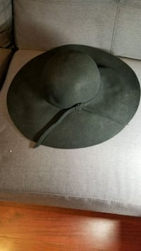 100% Wool hat Vancouver, V5Y 1T4