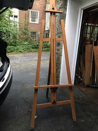 Artist easel all wood Larchmont, 10538