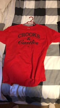 Crooks n castles red t shirt size L Maple Ridge, V2W 2C7