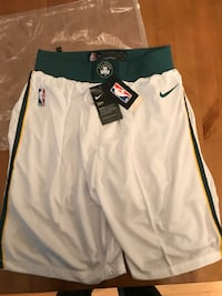 Boston Celtic shorts medium new Montréal, H8S