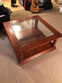 Coffee table with glass insert Haverhill, 01830