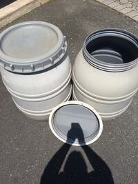 Plastic barrels with screw on lids