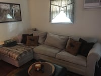 Sectional couch beige New York, 11357