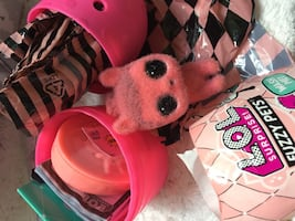 L.O.L. Surprise Fuzzy Pets Makeover series Toy