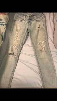 distressed blue-washed jeans Annandale, 22003