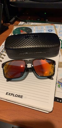 Oakley Holbrook Sunglasses and Carbon Fiber Case San Bruno, 94066