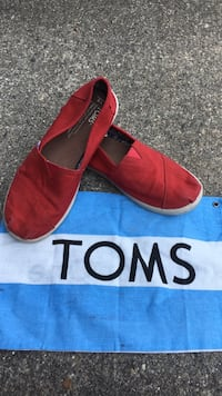 Like new! Girls Toms Florence