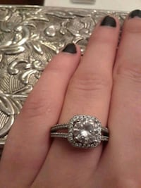 Really nice ring, size 6 or 6 1/2 sterling silver Macon