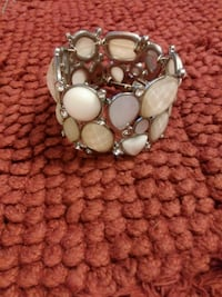 silver-colored and white pearl bracelet Flint, 75762