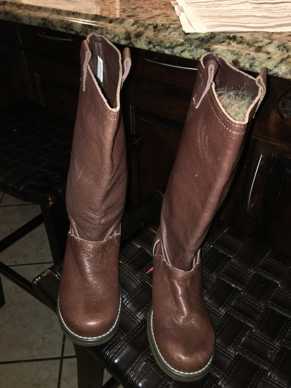 4d73703dbe7e Used leather Gap girls boots size 4 for sale in Fort Worth - letgo