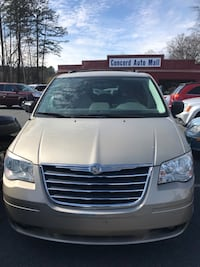 Chrysler - Town and Country - 2009 Concord, 28027