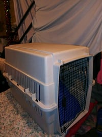 white and blue plastic pet carrier St. Louis, 63127