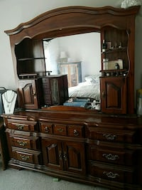 brown wooden dresser with mirror Saint Charles, 63303