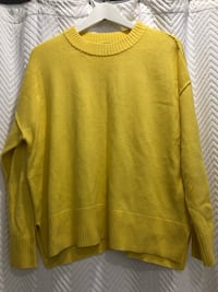 Bright yellow knit sweater size small  Aurora, L4G 6R5
