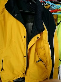 yellow and black zip-up jacket Vancouver, V5X 1N4