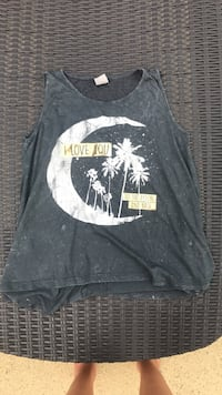 Graphic tank top size medium  Griffin, 30224