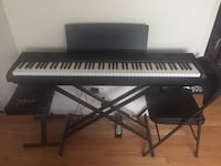 Yamaha P-105, Hammer-weight keys. Piano + Music Stands included.