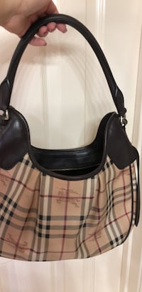 Authentic Burberry bag  Laredo, 78045